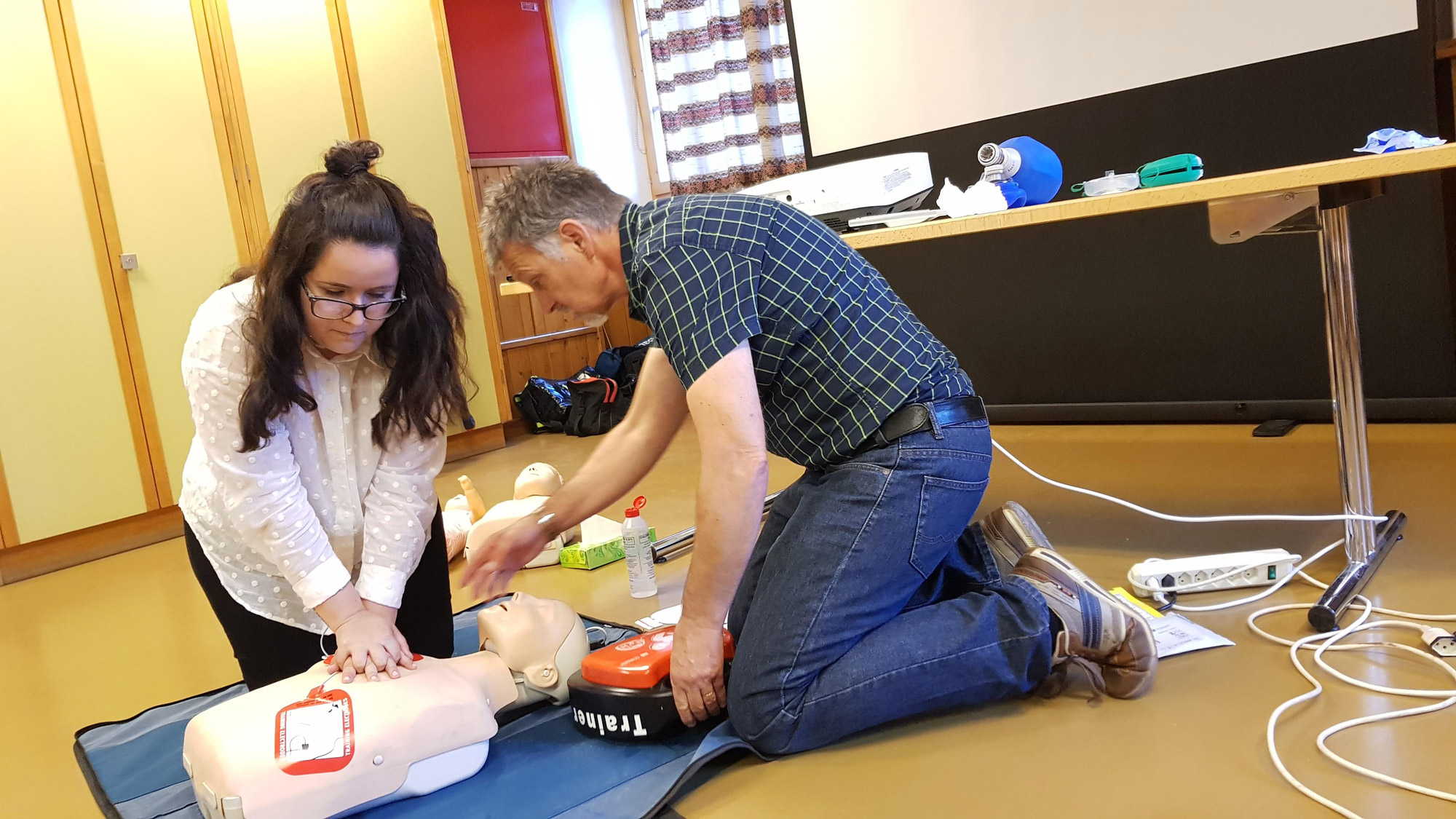 cpr-aed-kurs-4